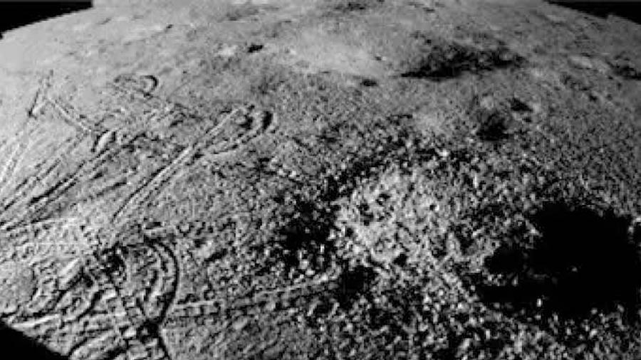El misterio sigue: nueva imagen de la sustancia misteriosa que se encontró en la Luna