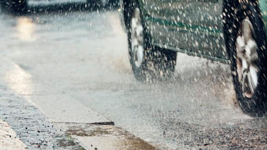 Mexicano crea pavimento que se regenera con agua de lluvia