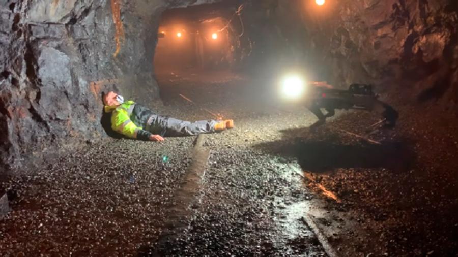 PLUTO, el perro-robot que puede encontrar personas de túneles y minas destruidas