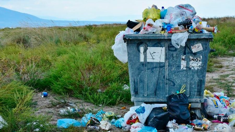 Logran transformar basura de plástico en diésel
