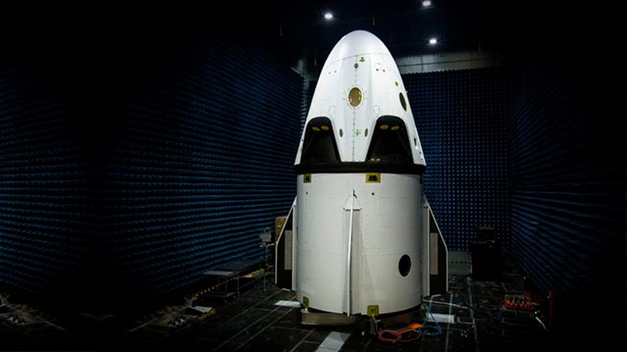 Luego de tres años de espera, Space X podría lanzar su primer vuelo tripulado a principios de 2020