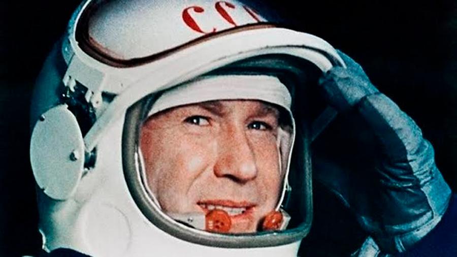 Muere Alexei Leonov, el primer humano en 'pasear' por el espacio