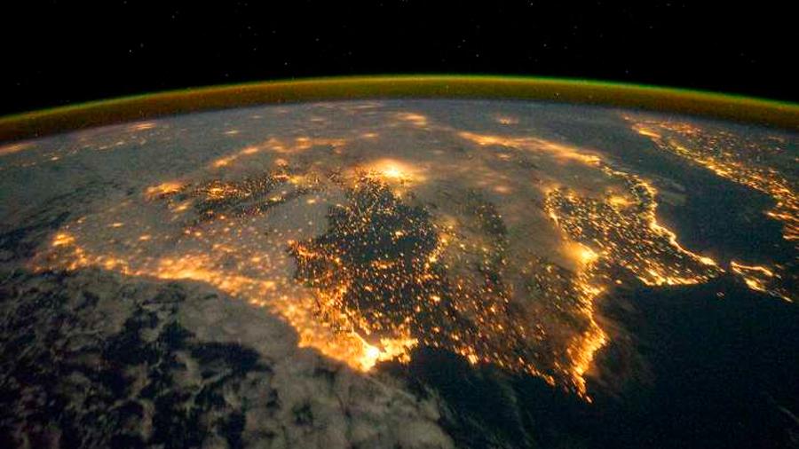 Una nueva 'app' permite trabajar con los astronautas para completar el mapa de la contaminación lumínica