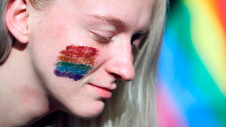 Personas transgénero que se someten a cirugías de afirmación tendrían una mejor salud mental