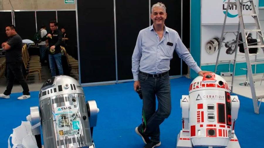 Mexicano crea robot que hace encuestas y lo presumen en Hannover