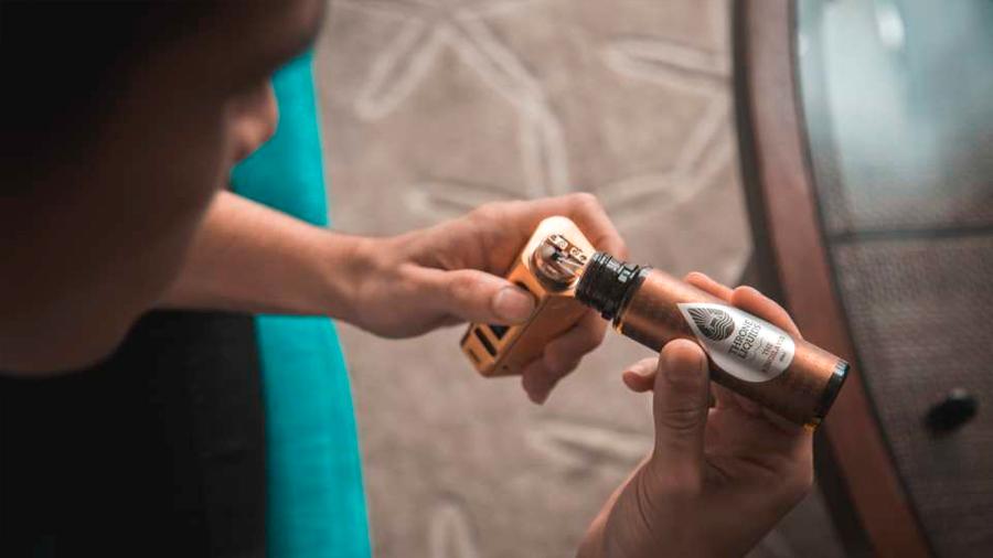 """""""Los vapeadores son un 95 % menos dañinos que el tabaco"""": la afirmación de la industria que es puro humo"""