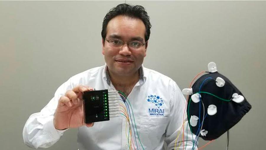 Singular científico mexicano radicado en Japón se lleva a estudiantes connacionales para prepararlos en innovación