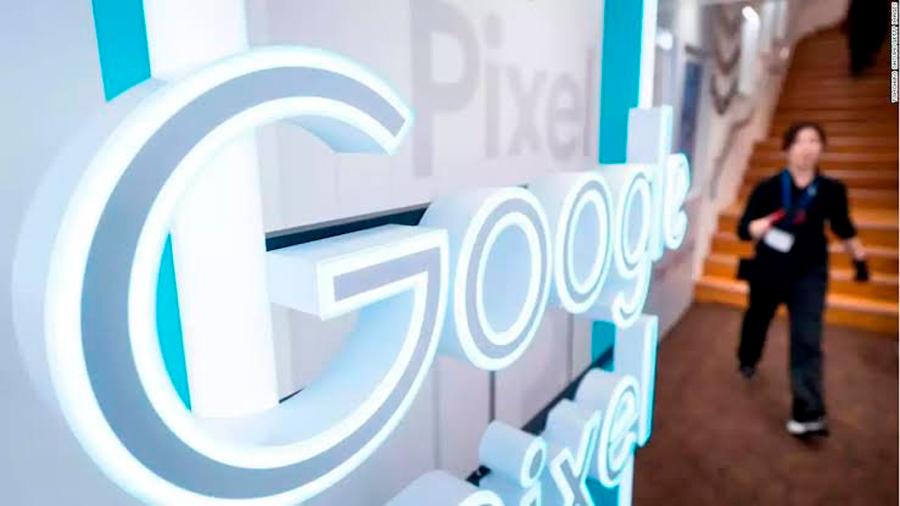 Exempleado de Google sostiene que éste puede acceder a todos los documentos de los usuarios de su nube