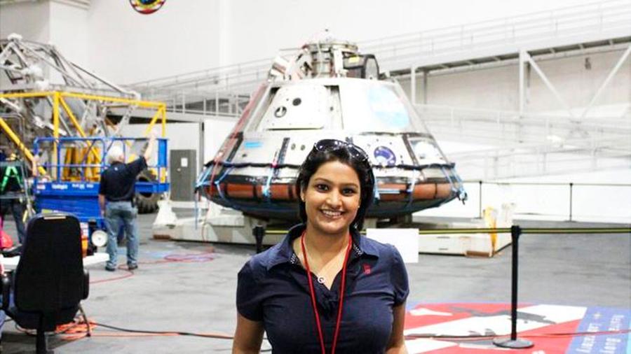 Los viajes espaciales afectan de manera diferente a mujeres y hombres, según ginecóloga de la NASA