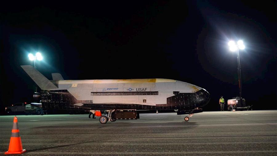 El avión espacial secreto del Pentágono aterriza tras 780 días en órbita