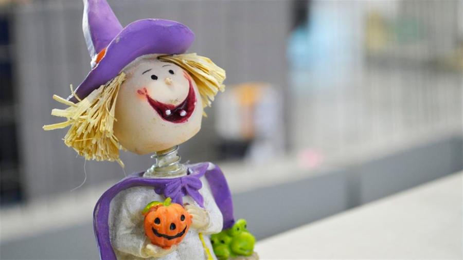 Una madre antivacunas declara haber repartido dulces infectados con varicela en Halloween