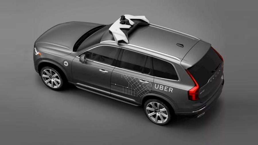 Auto de Uber que mató a una persona no sabía cómo reconocer a los peatones fuera de los cruces