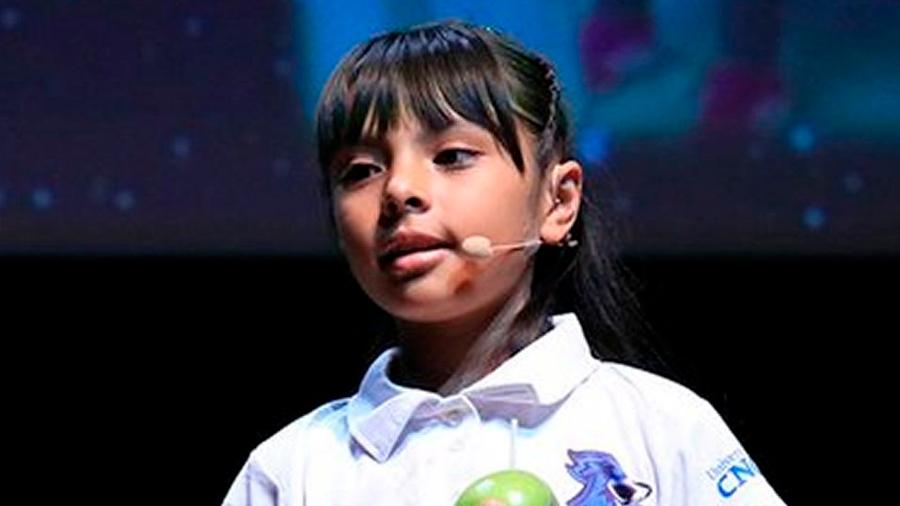 Adhara Pérez: la mexicana de ocho años que cursa dos carreras universitarias y tiene un coeficiente superior al de Einstein