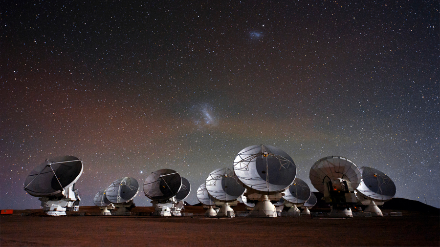 Científicos chilenos crean antenas astronómicas de menor costo y mayor rendimiento