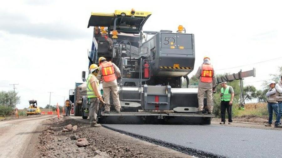 México: Construyen la primera carretera hecha con plástico