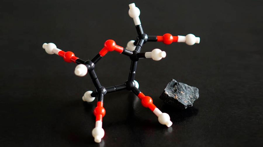 Azúcares encontrados en meteoritos sugieren que el origen de la vida pudo haber venido del espacio