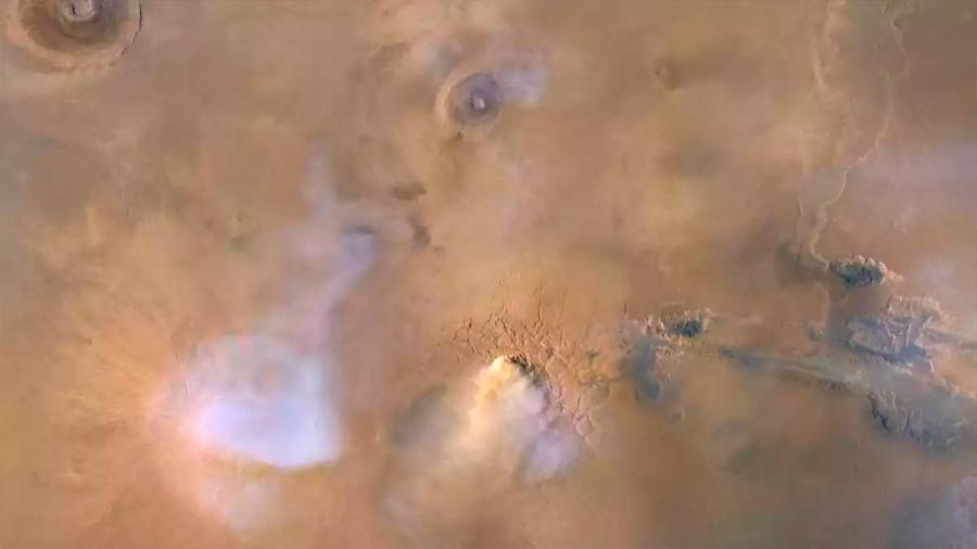 Tormentas con torres de polvo en Marte colapsan el cielo marciano