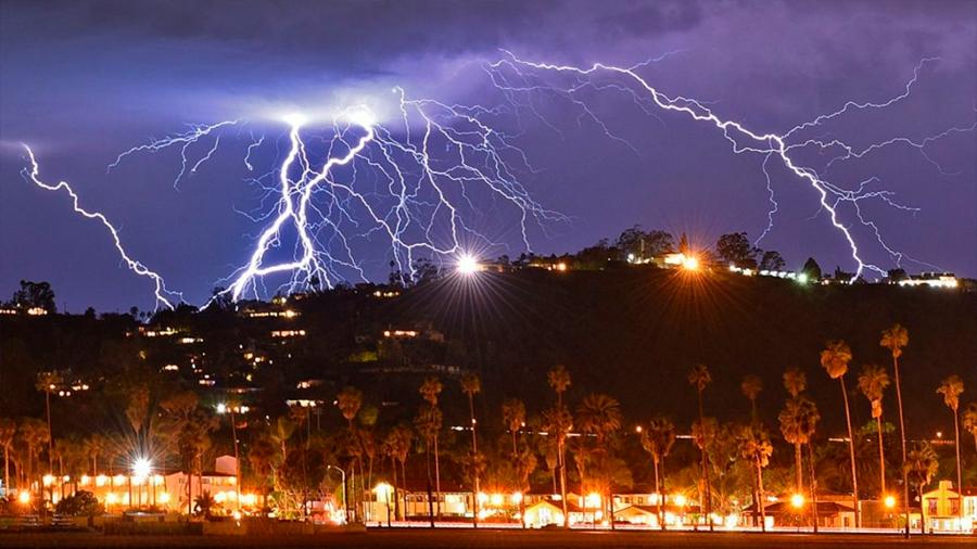 Sigue la mejor fórmula para evitar que te alcance un rayo en una tormenta eléctrica