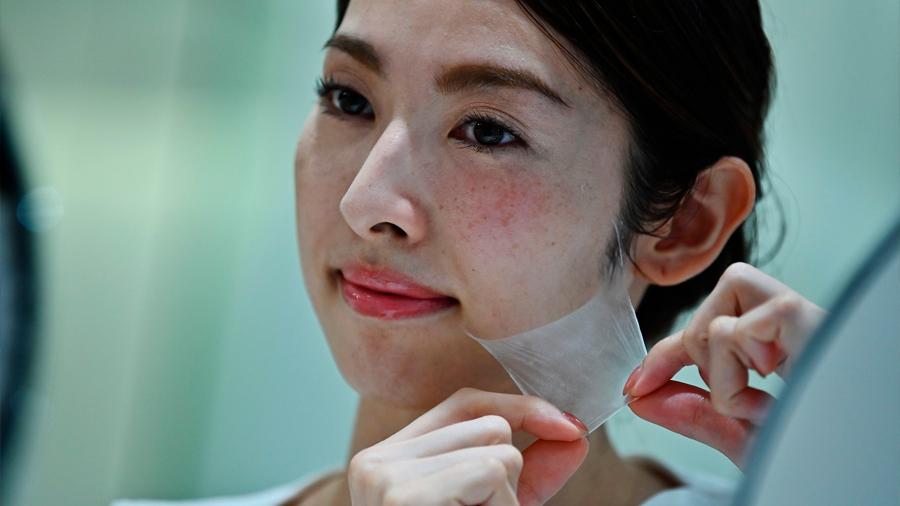 Lanzan al mercado aerosol que crea una segunda 'piel' de nanofibras