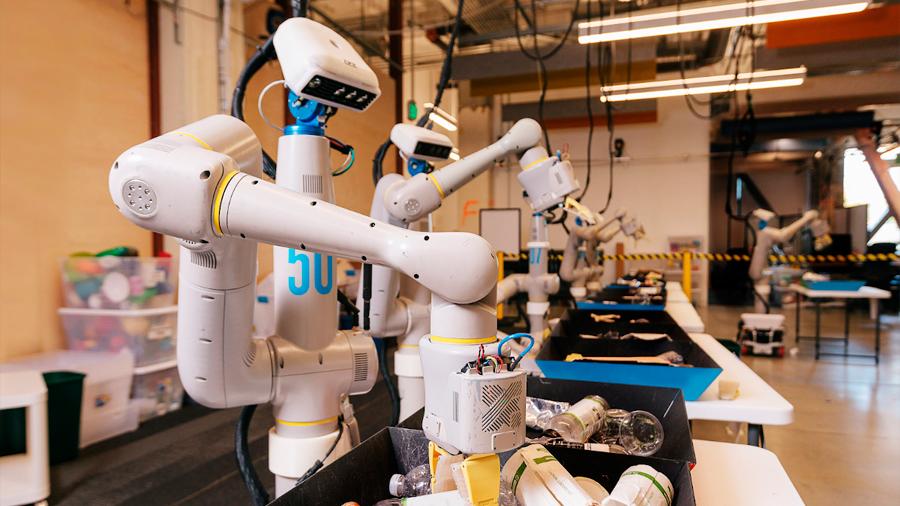 Robots de Google son capaces de aprender cualquier tarea por sí mismos, incluso reciclar