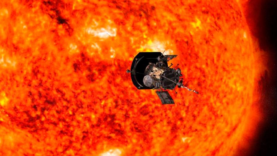 """Sonda Parker que se acerca a corona del Sol descubre """"un mundo caótico"""", revela científico"""