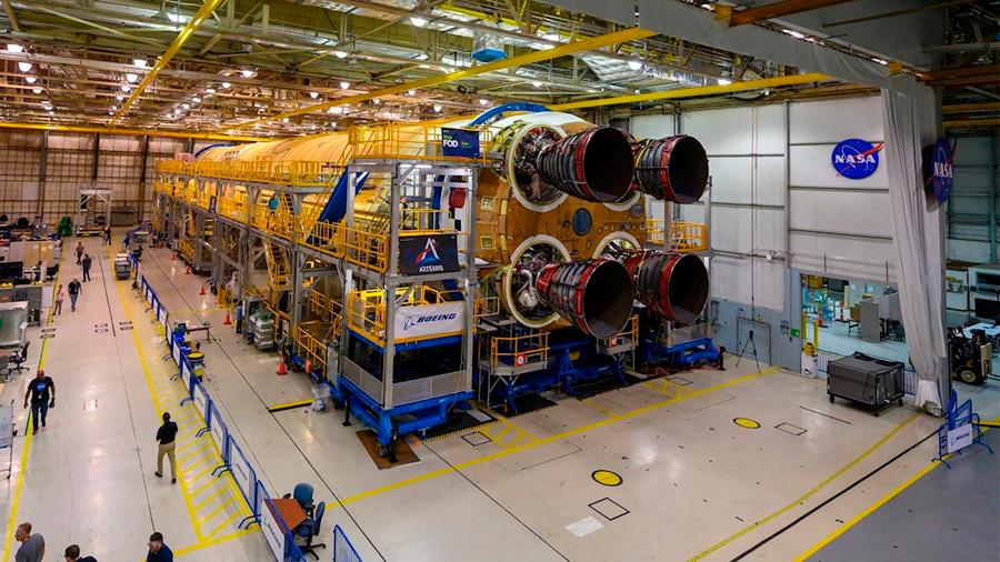 La NASA presenta el núcleo del cohete SLS para volver a la Luna