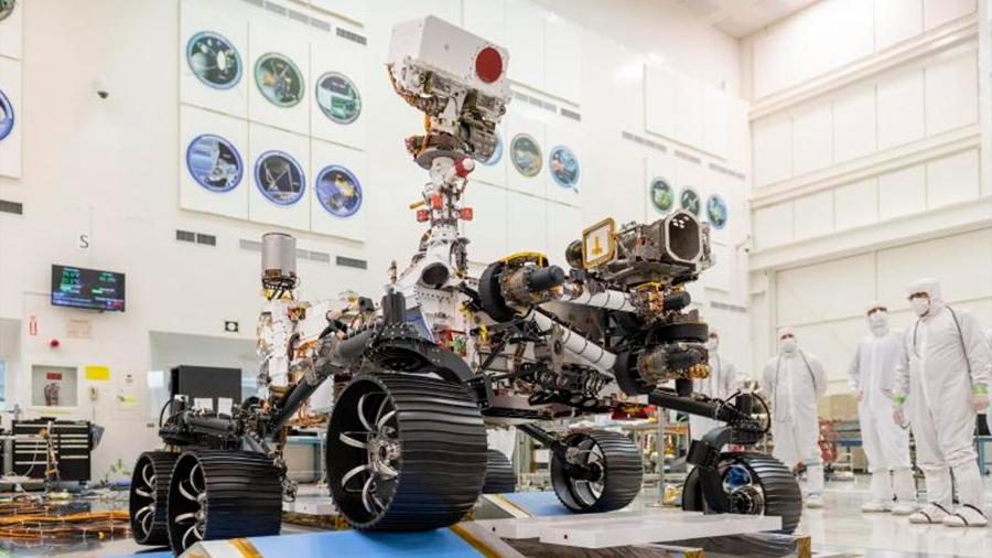El rover Mars 2020 realizó exitosamente su primera prueba sobre ruedas