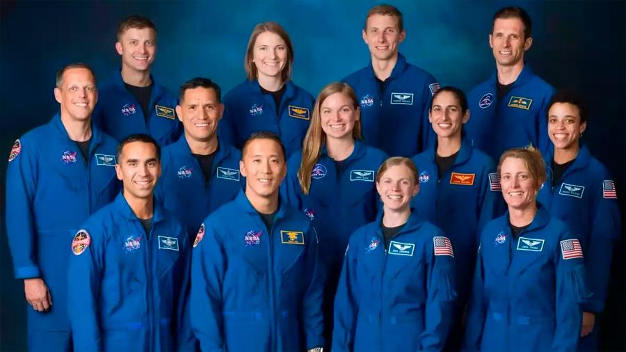 La NASA presenta a 13 graduados que serán los futuros exploradores de Marte