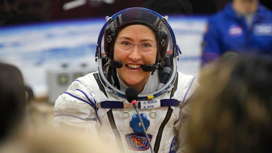 Christina Koch bate el récord de vuelo espacial femenino: 289 días