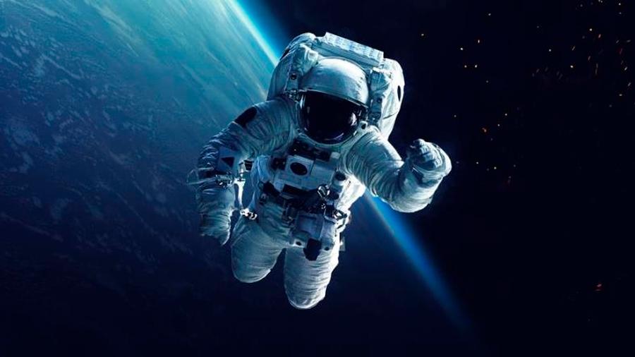 A un astronauta en el espacio le descubren un coágulo y lo trata un médico desde la Tierra