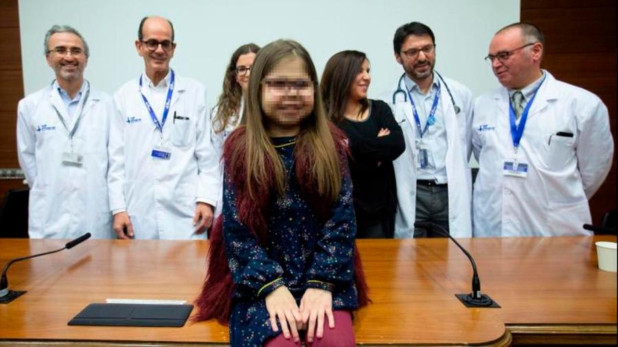 Íria, una niña de 10 años, primera triple trasplantada de corazón, hígado y riñón en España