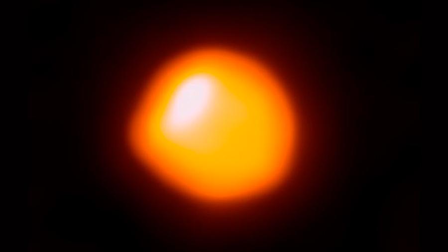 Emociona a astrónomos posible explosión de estrella gigante
