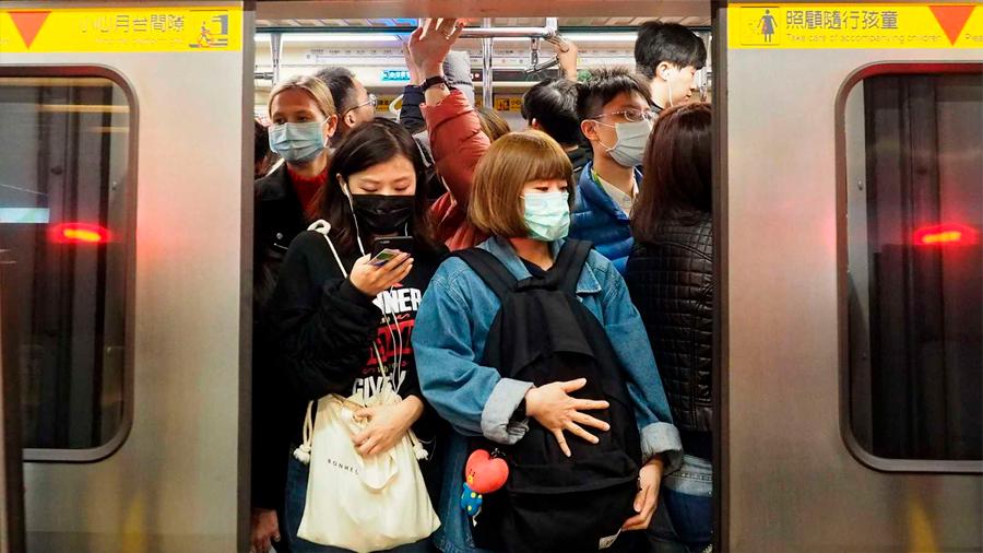 China eleva a 17 los muertos por el coronavirus de Wuhan y pide ayuda internacional