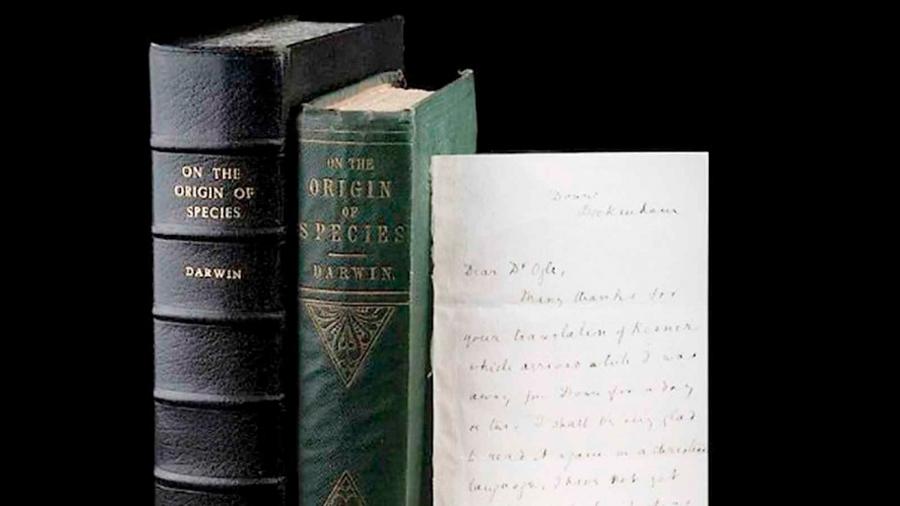 Subastarán carta firmada por Charles Darwin con un ejemplar de su obra más destacada