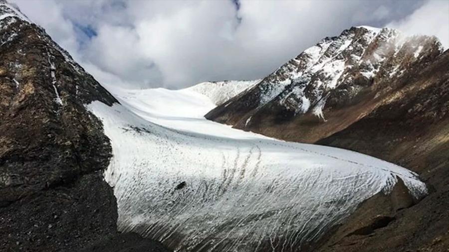 Descubren bacterias y virus desconocidos congelados en el Tíbet de hace 15 mil años