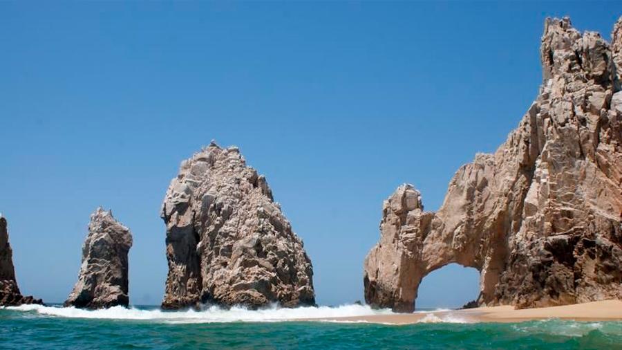 Descubiertas por Jacques Costeau hace 60 años, cascadas de arena cumplen maridando mar y desierto en México
