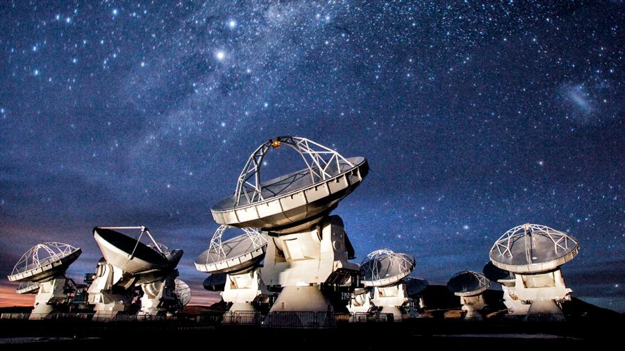 La astronomía inicia una nueva era de hallazgos en Chile gracias al radiotelescopio ALMA