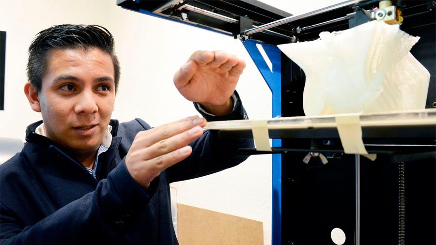 Estudiante mexicano logra imprimir huesos biodegradables