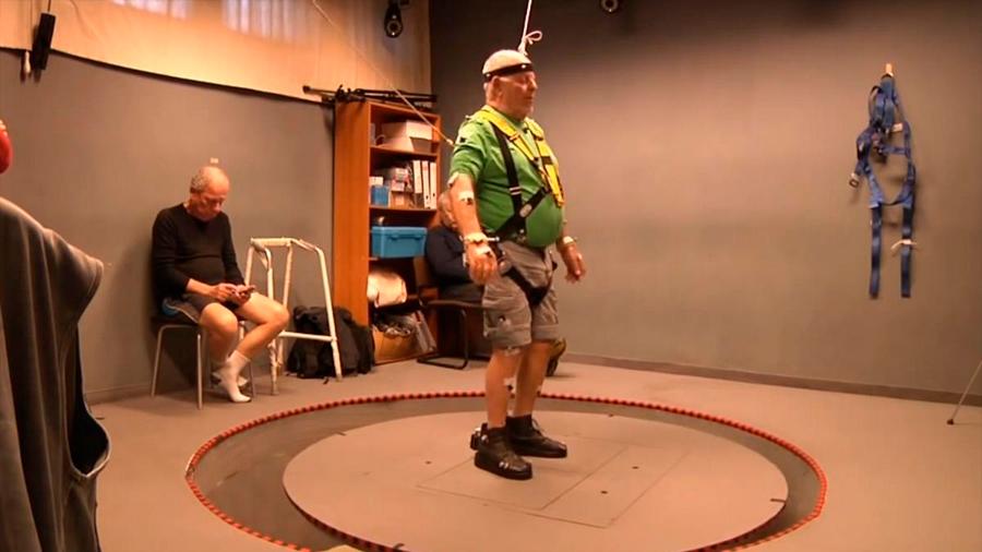 B-Shoe, el zapato con motores y auto equilibrio que evita que las personas mayores se caigan