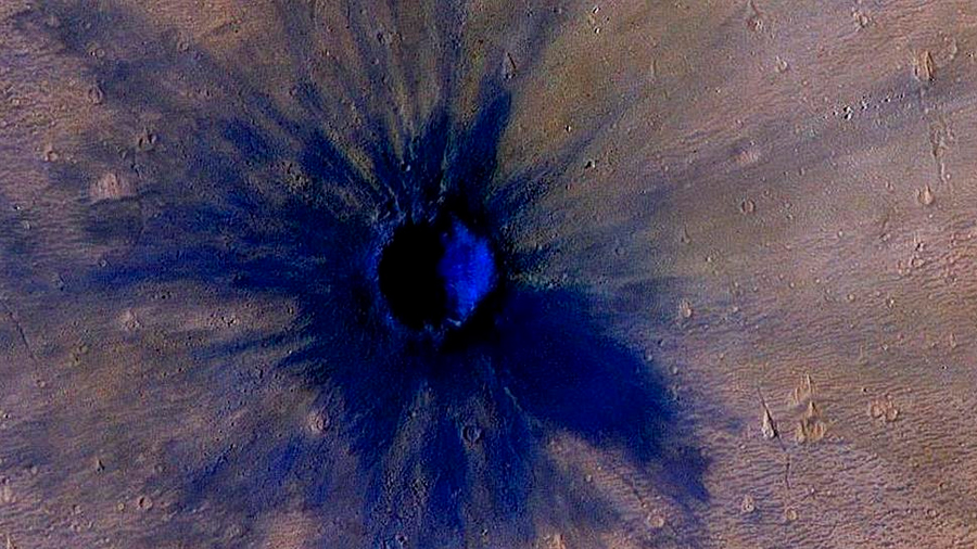 Un meteoro impactó en Marte en 2005, dejando este cráter