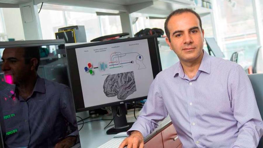 Crean el primer audífono controlado por el cerebro