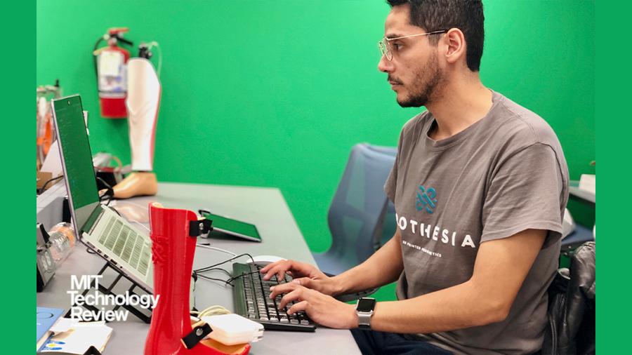 Joven innovador mexicano con impresión 3D crear órtesis de bajo coste para niños con parálisis cerebral