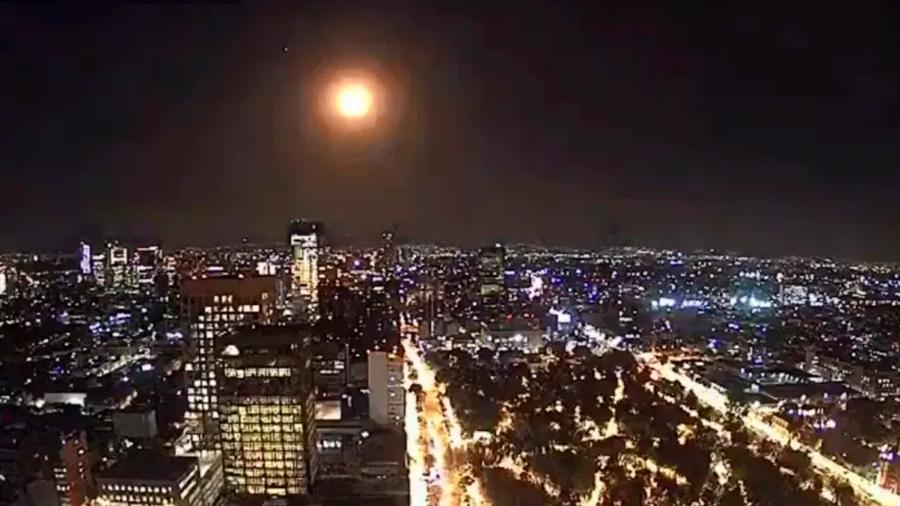 Espectaculares imágenes de la caída del meteorito en México: un destello que iluminó varias ciudades