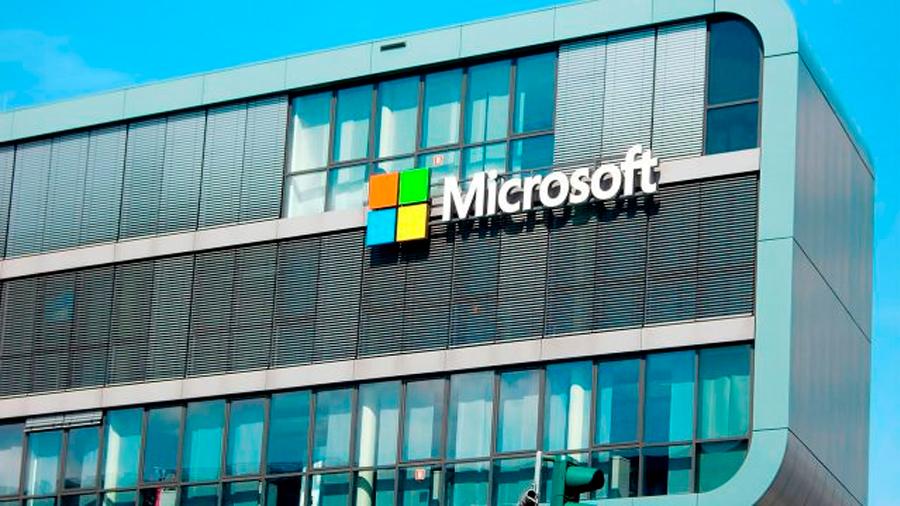 Microsoft invertirá 1,100 mdd en México para educación, emprendimiento y conservación de tiburones