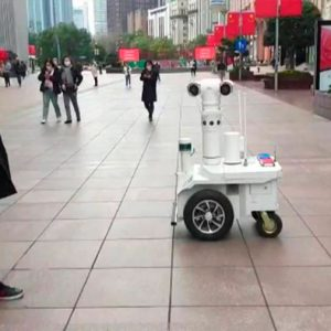 China lanza robots que te delatan si no llevas mascarilla