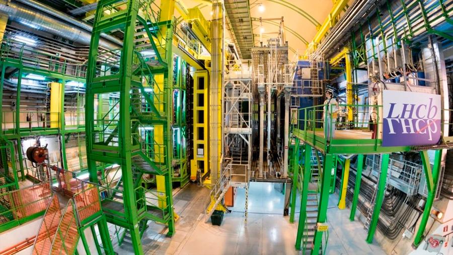 Física de partículas: Un análisis del Gran Colisionador de Hadrones confirma que algo raro está pasando