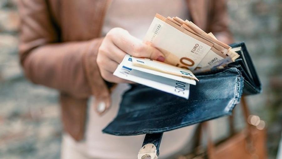 La OMS desmiente que el dinero en efectivo esté transmitiendo el coronavirus