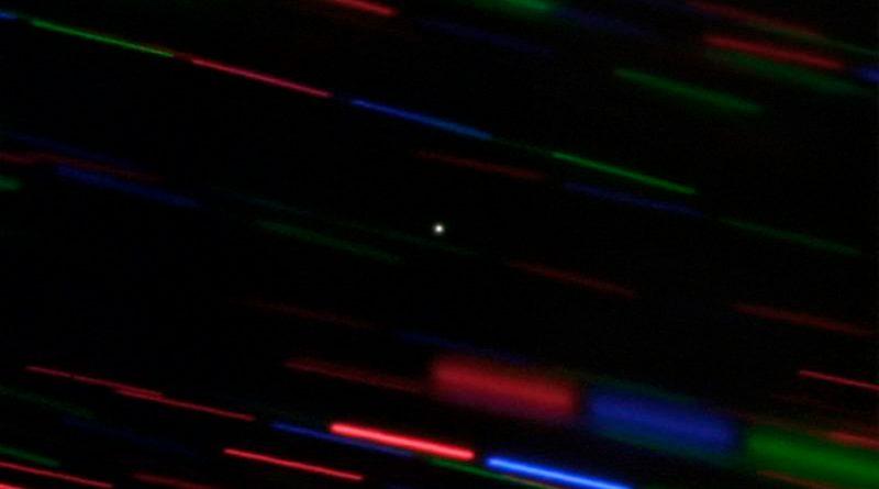 La miniluna que ha acompañado unos años a la Tierra se irá en abril en solitario por el sistema solar