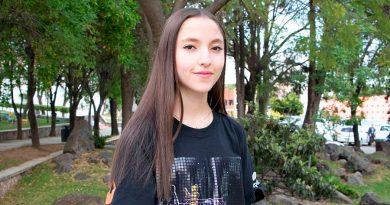 ¡Mujer en el estrado! Gana el mayor premio de liderazgo en robótica