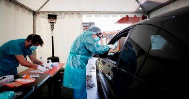 España adquiere 4 robots que podrán realizar hasta 80,000 pruebas diarias de coronavirus